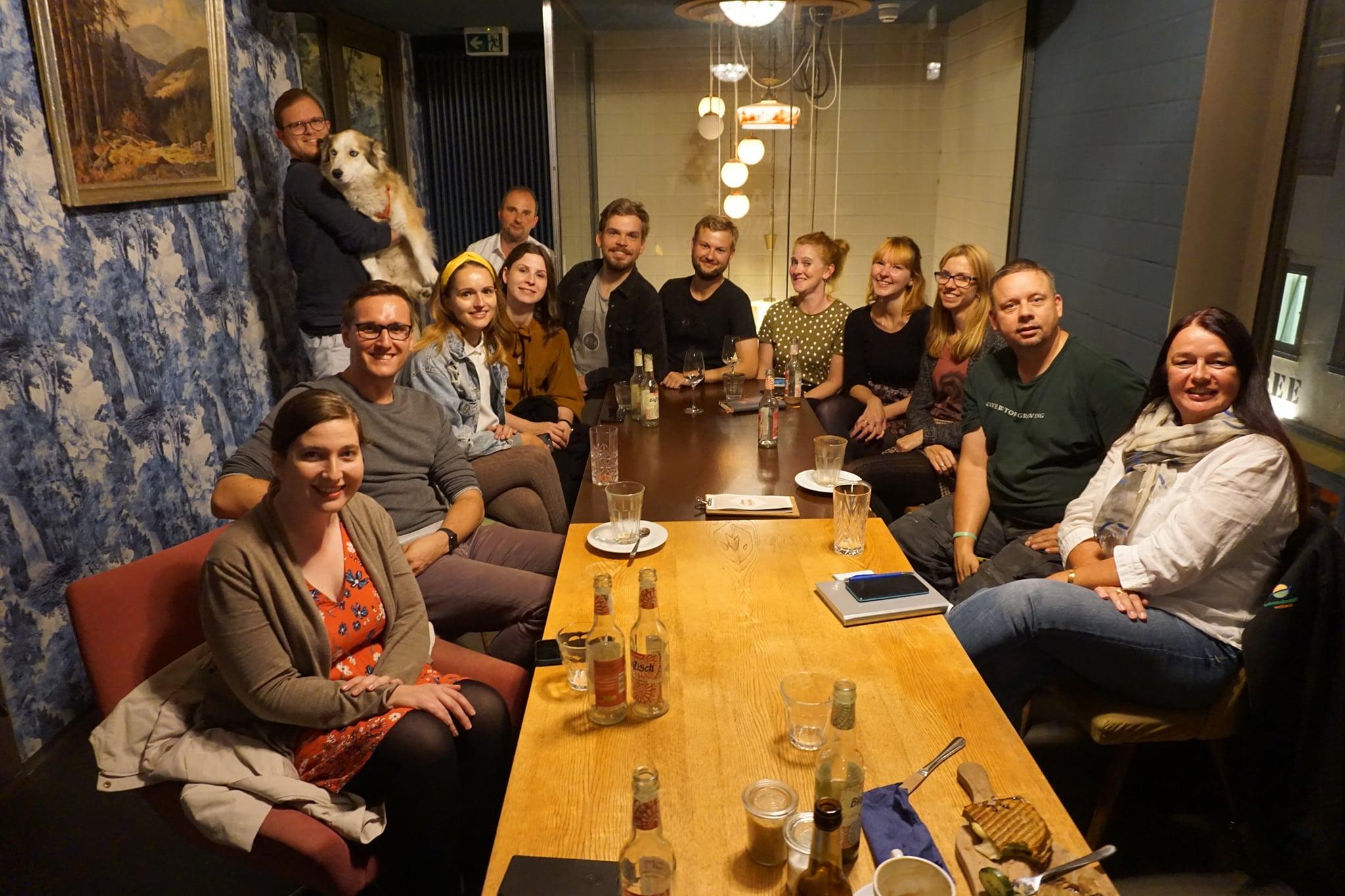 Alle Blogger des Stammtisches auf einem Gruppenfoto im Kurhaus Simone Erfurt.