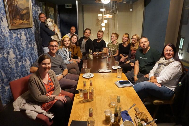 Das Bild zeigt die Blogger, die sich zum 16. Stammtisch im Kurhaus Simone getroffen haben.